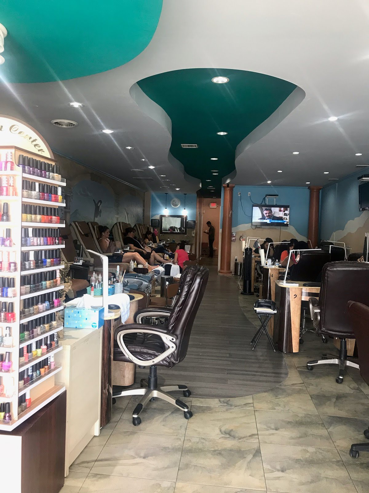 HAPPY NAILS - 4411 San Mateo Blvd NE Ste F, Albuquerque, NM